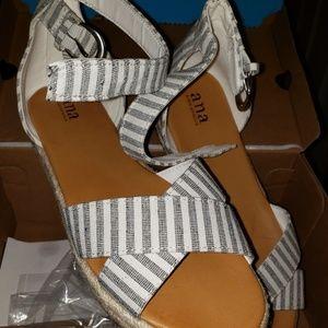 Super cute sandles sz. 9